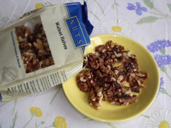Walnuts and sperm health: walnuts can easily be added to your breakfast cereal, a salad, or simply enjoyed with a snack.