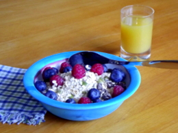 Museli with fresh berries: an excellent breakfast